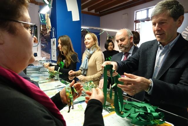 Castell n repartir pulseras oficiales de la for Oficina turismo sagunto